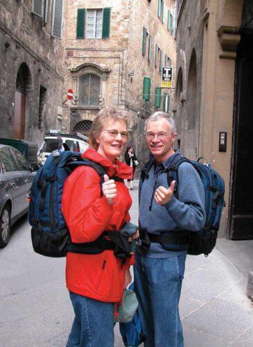 Dwoje podróżujących